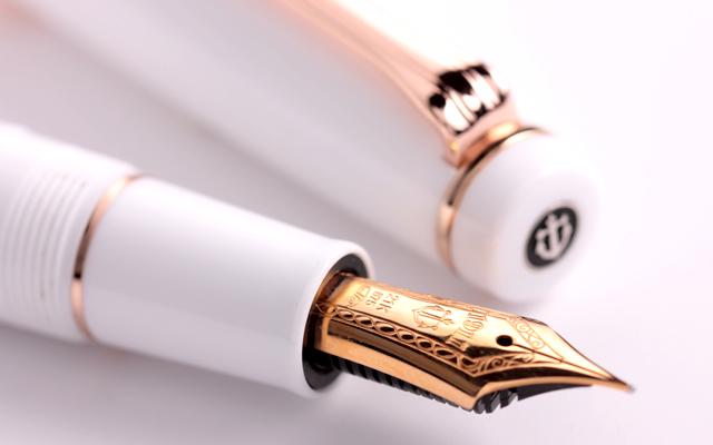 ☆Pick Up☆女性の為の万年筆。気品ある1本を求めて。